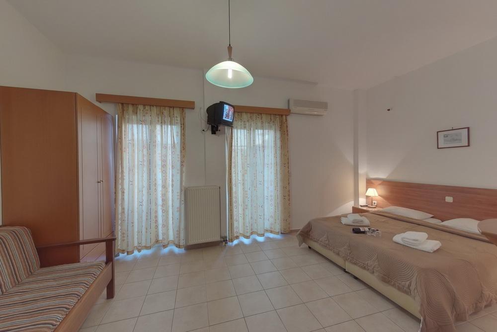 MARIRENA HOTEL 3 *