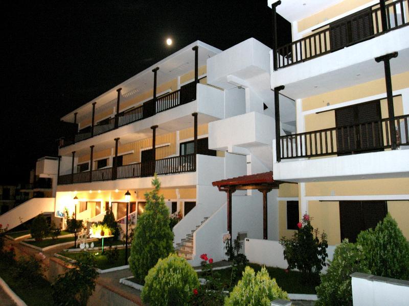 Ioli Apartments