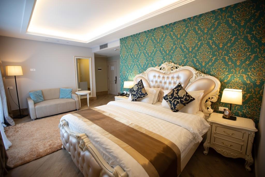 Grand Blue Fafa Resort (Golem)