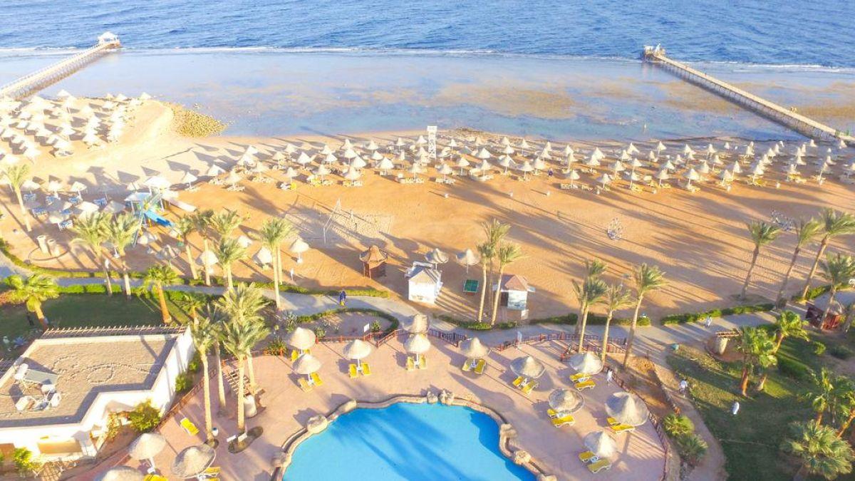 Parrotel Beach