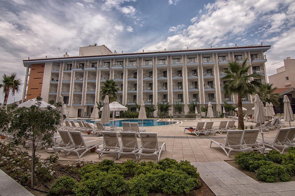 RAMADA HOTEL & SUITES KUSADASI by WYNDHAM