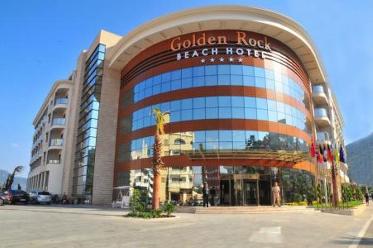 Hotel Golden Rock Beach