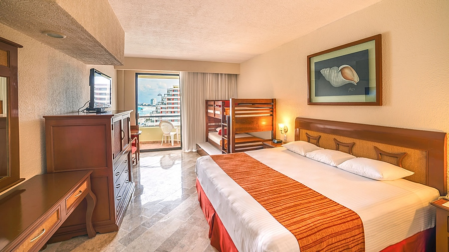 Crown Paradise Club Cancun