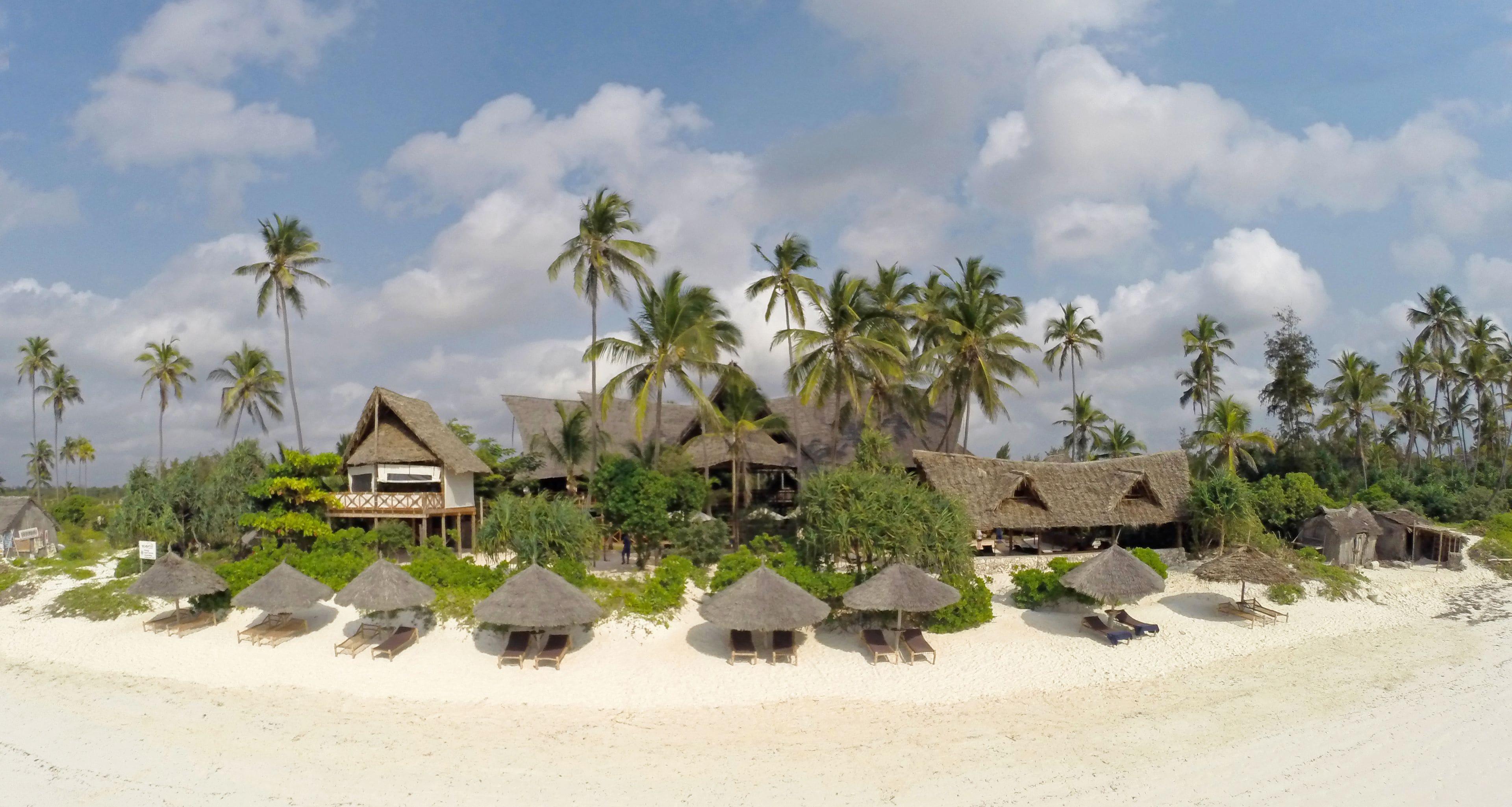 Azanzi Beach