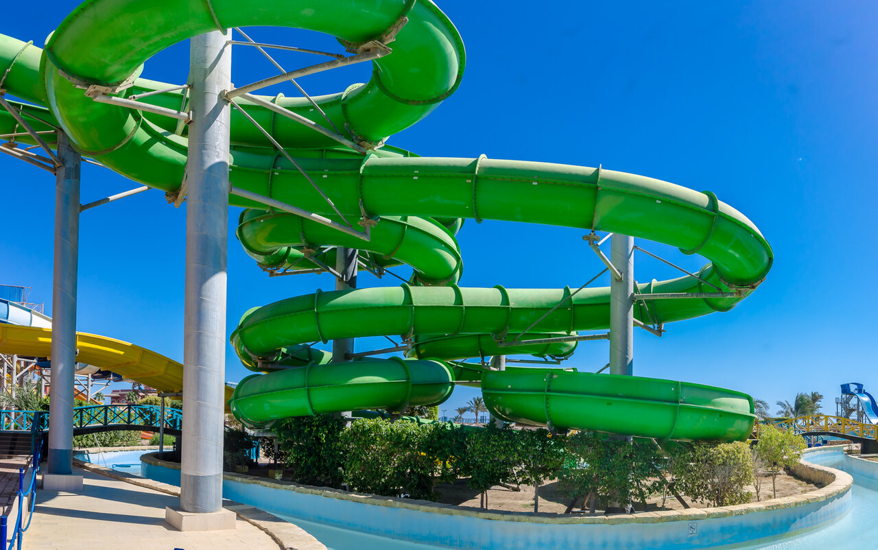 TITANIC BEACH RESORT & AQUAPARK