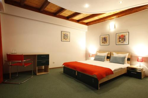 Roberto Hotel