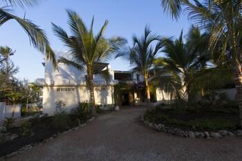 Uzuri Villa