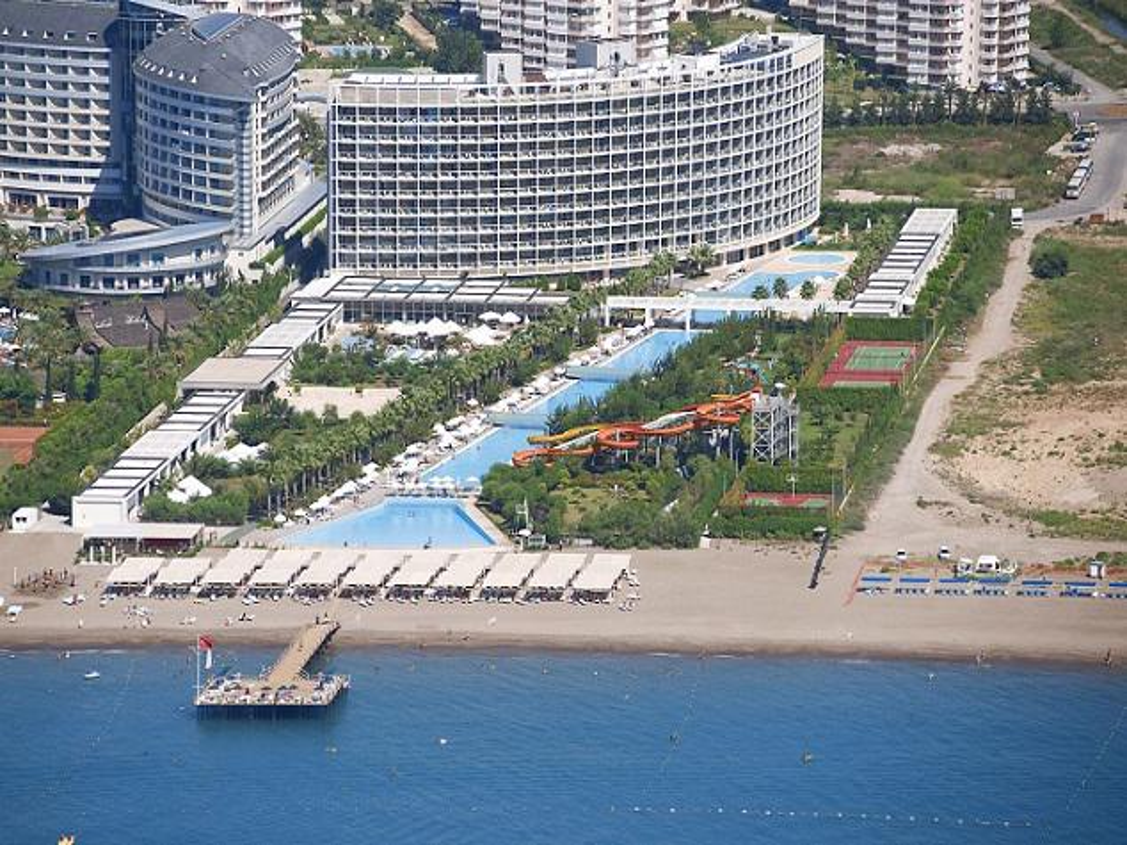 Crystal Centro Resort