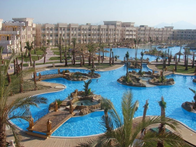 GRAND ROTANA BEACH RESORT & SPA