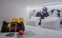 Wom Allenby By Brown Hotels