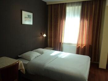 Hotel Albert