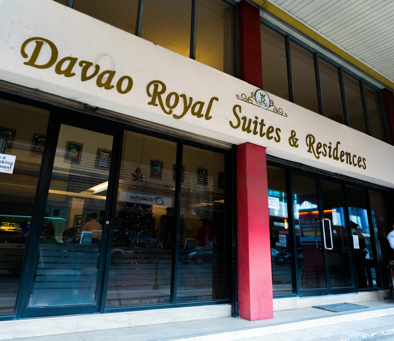 The Royale House Travel Inn & Suites