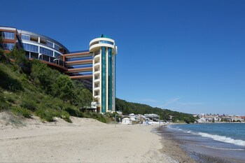 Paradise Beach - All Inclusive