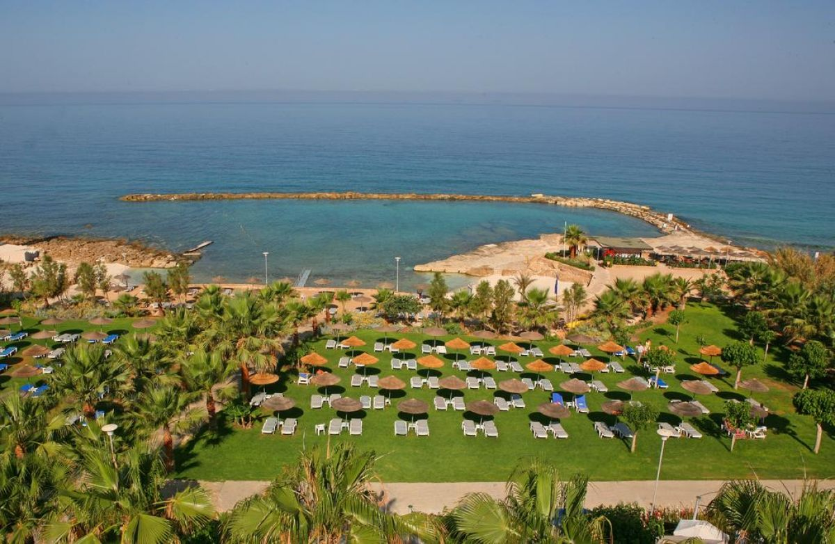 St. George Hotel Spa & Golf Beach Resort