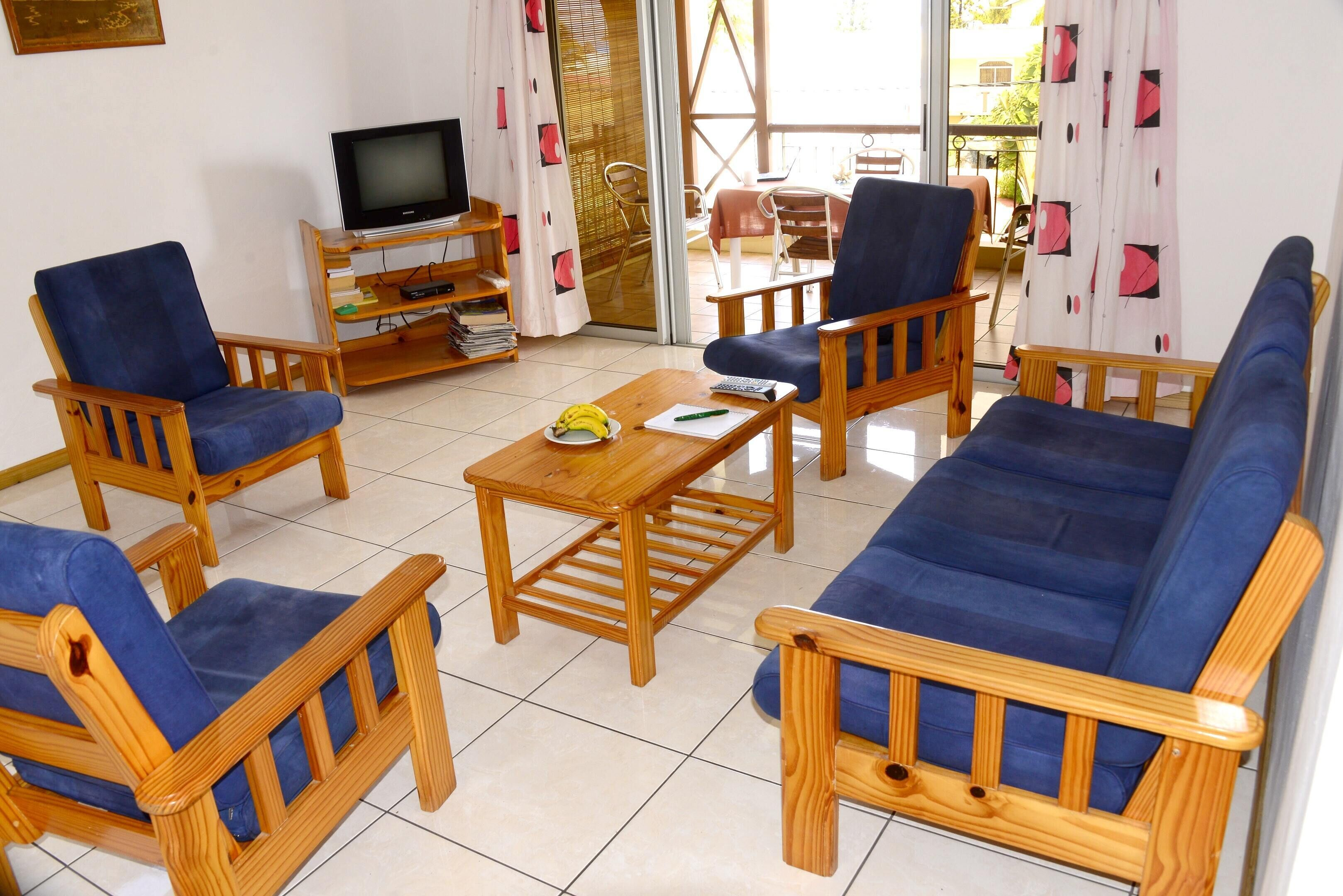 Apartment With 3 Bedrooms In Blue Bay,  With Wonderful Sea View,  Enclos