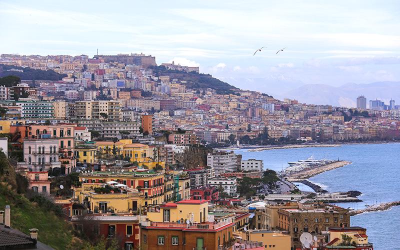 ITALIA- Marile Lacuri, Coasta de Azur si Insula Capri