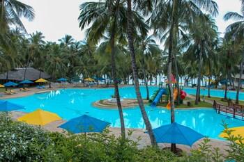 Emrald Flamingo Beach Resort & Spa