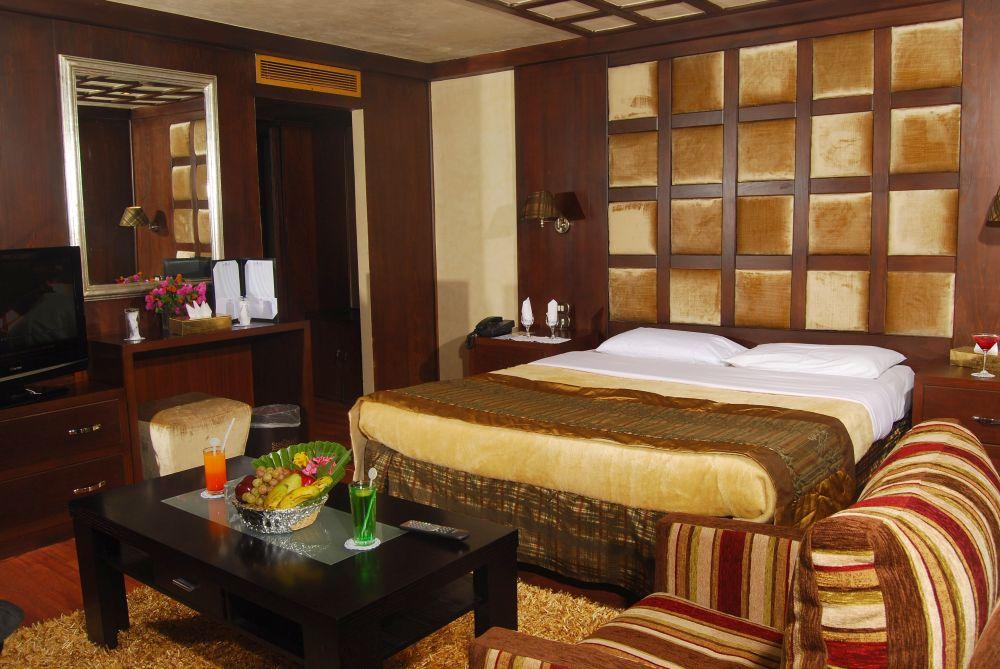 Croaziera Zoser 5* + Hotel 5*
