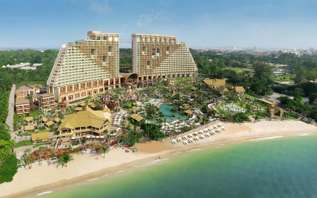 Centara Mirage Beach Resort