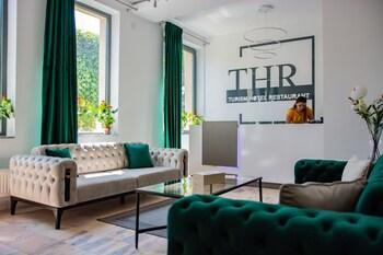 THR Center