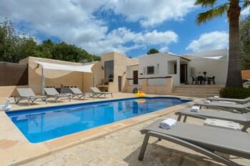 Villa Can Carreras