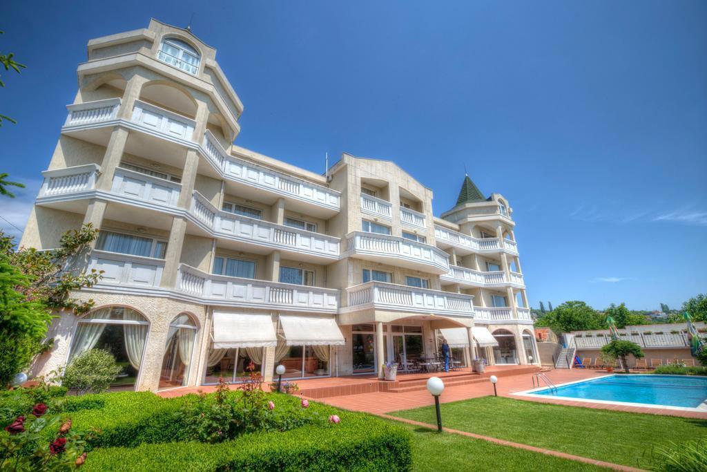 Alekta Hotel