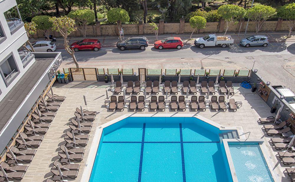 Riviera Zen Hotel & Spa