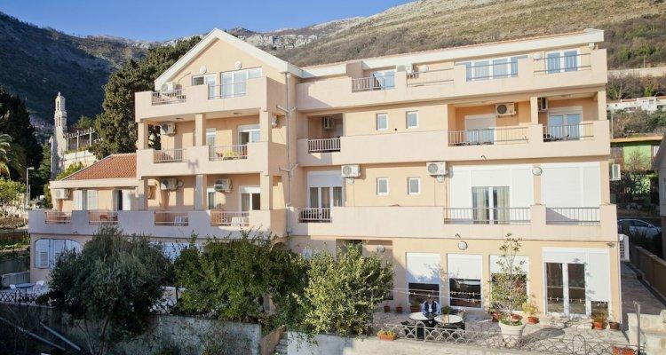 Apartments Andrić