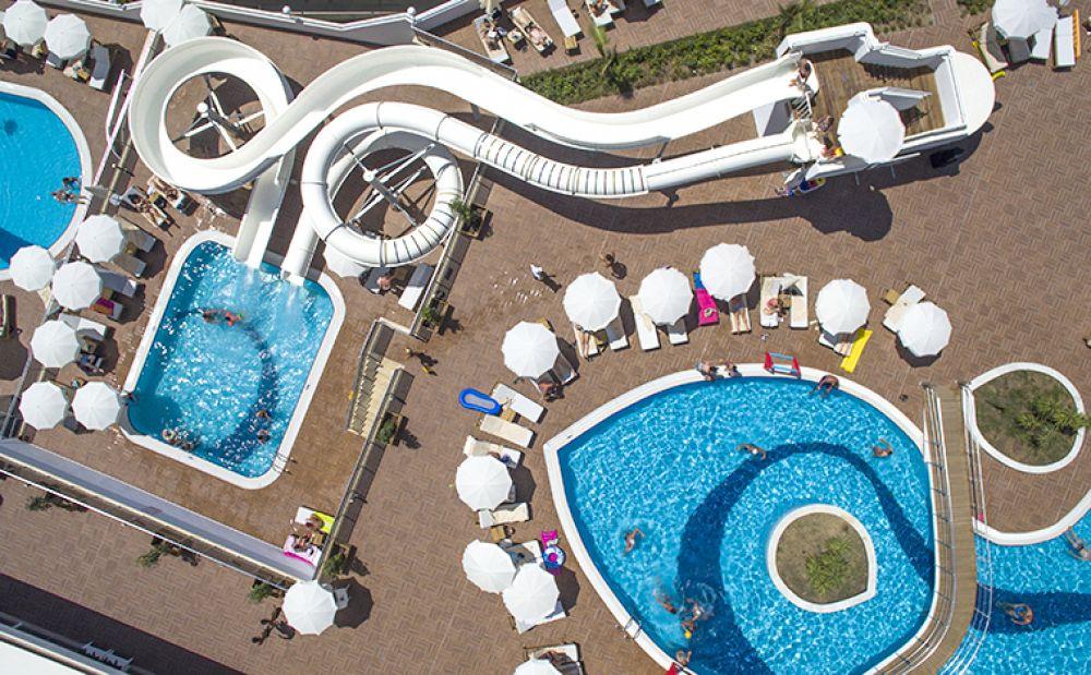 Laguna Beach Alya Hotel