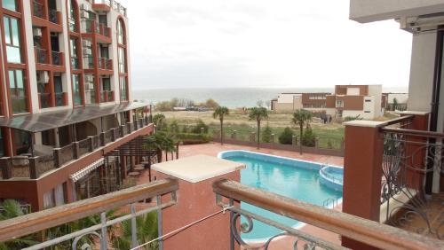 Chateau Del Marina Apart Complex