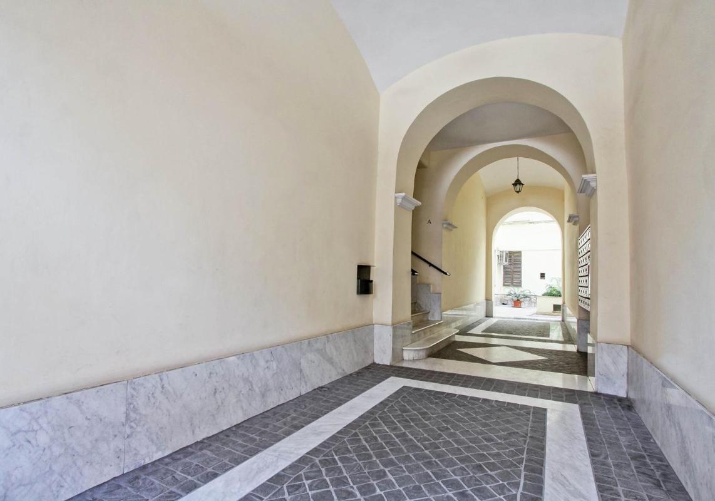 White Vatican - Three-bedroom Apartment - Viale Giulio Cesare 128