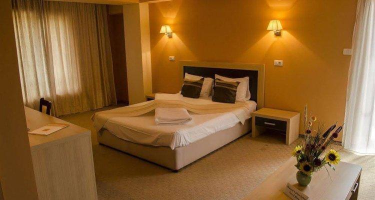 Oxford Inns & Suites