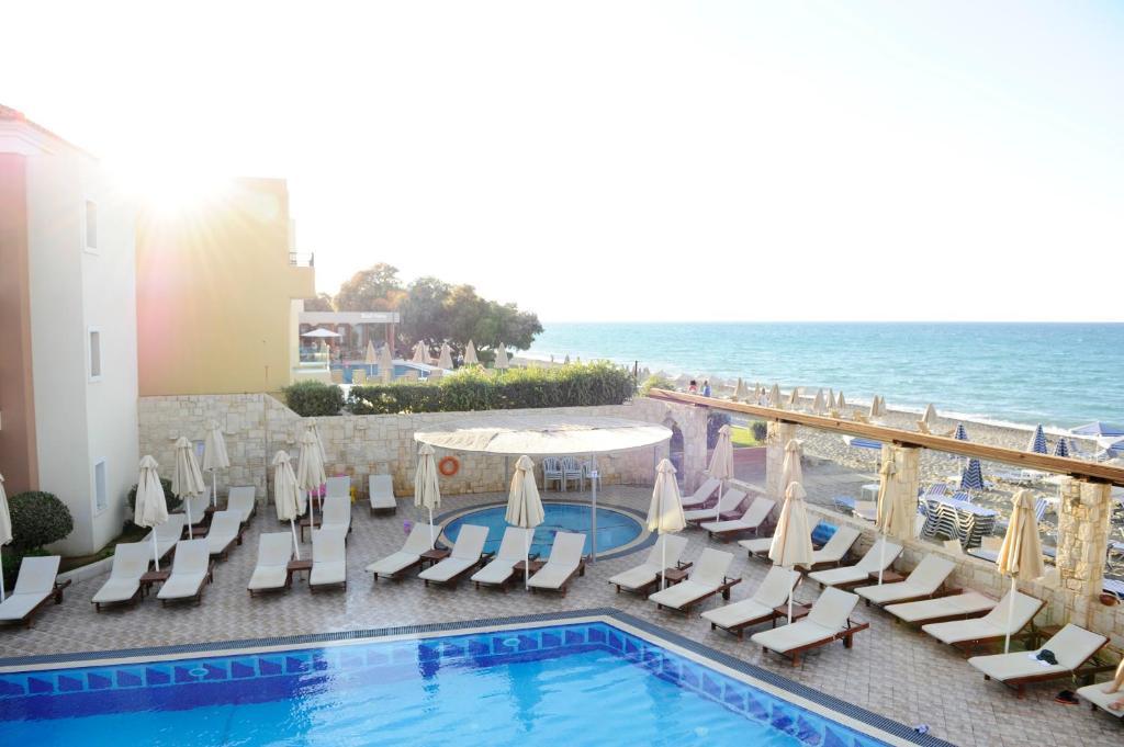 Atlantica Amalthia Beach Hotel (Adults Only 18+)