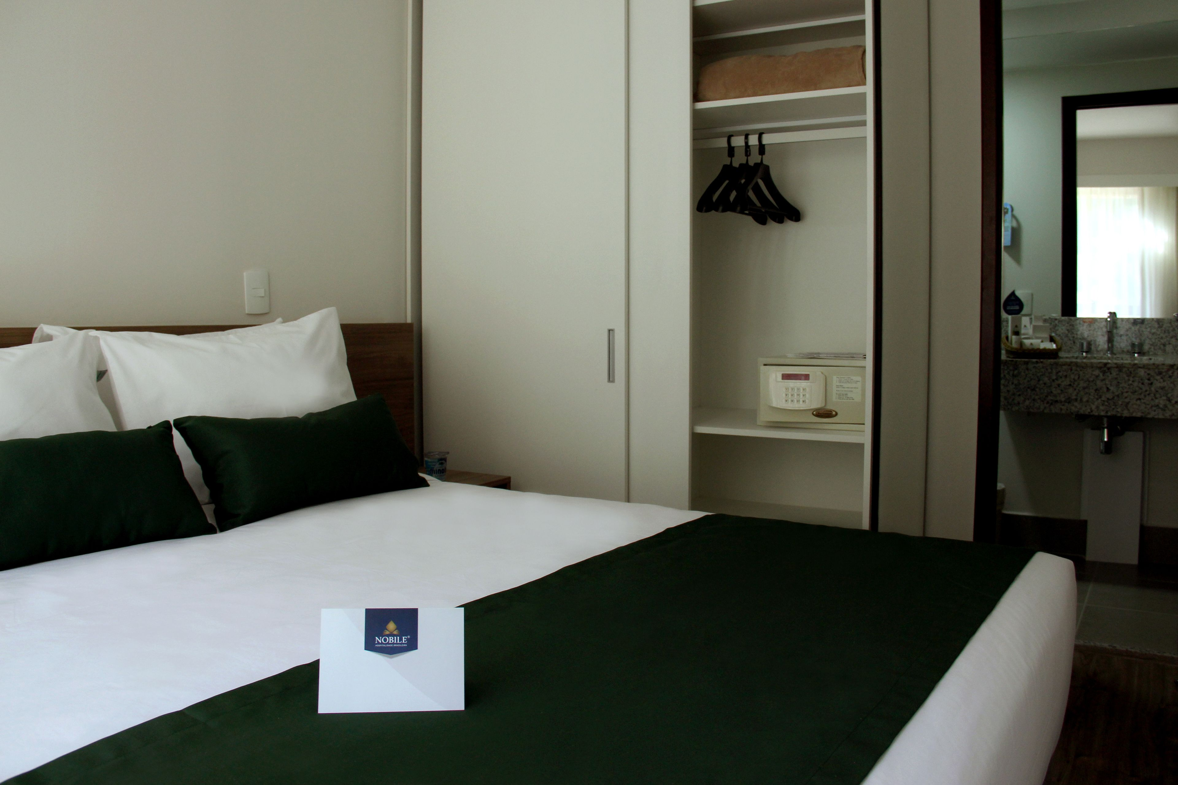 Nobile Inn & Suites Via Premie