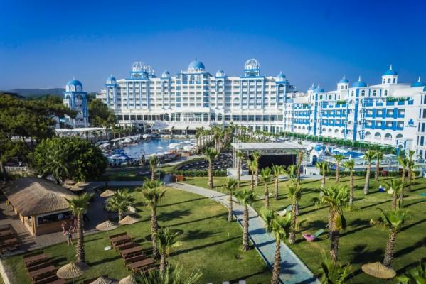 Rubi Platinum Spa Resort & Suites