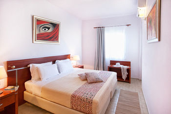 Tomato Hotel