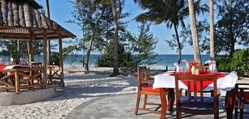 Mermaids Cove Beach Resort  Spa