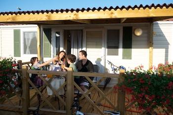 Holiday Homes Sirena Classic