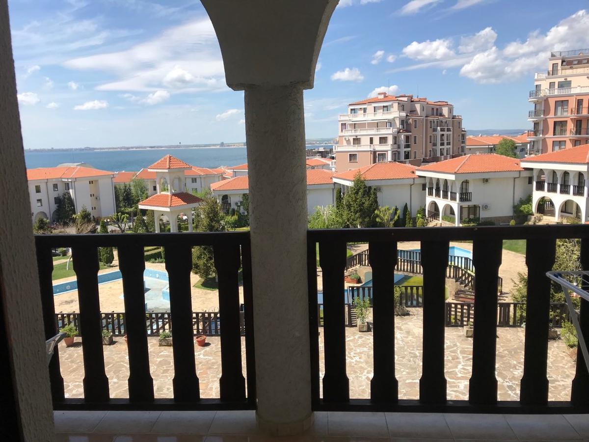 Kambani Nadezhda Apartment