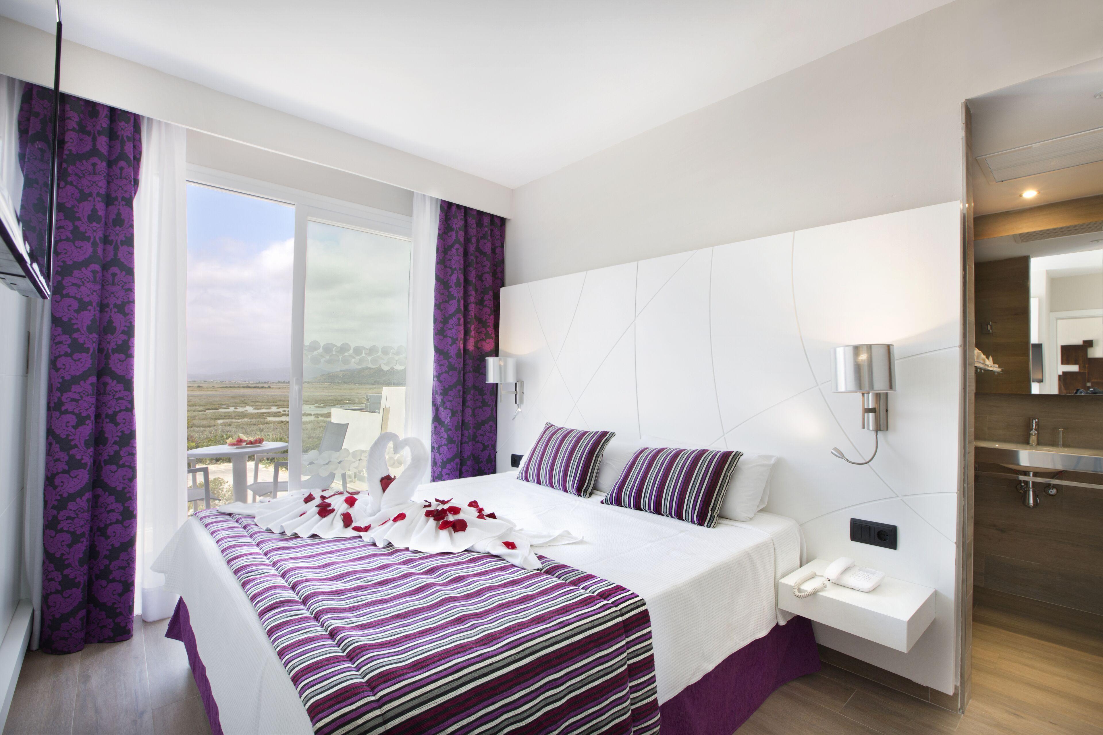 Aparthotel Playa De Muro Suites