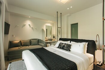 Blue Carpet Luxury Suites