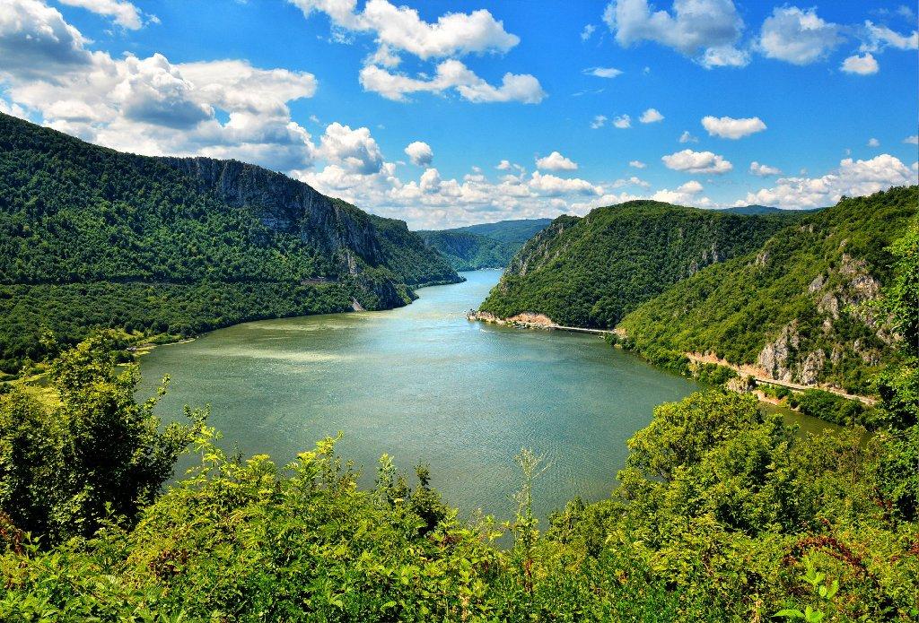 Cazanele Dunarii si Defileul Jiului (5 zile)