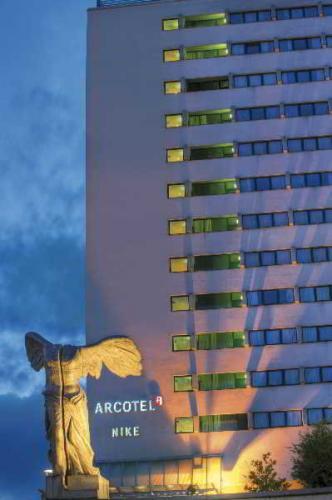 Arcotel Nike