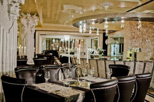 Royal Castle Design  Spa Hotel