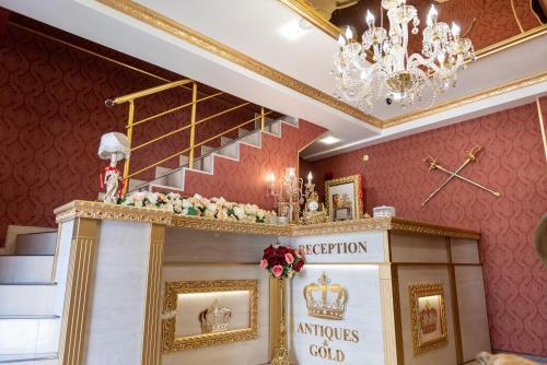 Antiques & Gold Boutique