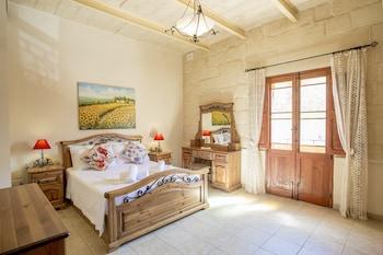 Tieqa Hamra Charming House