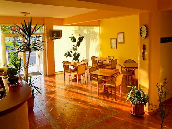 Hotel Apartments Alexander