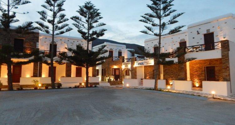 Tinos Suites & Apartments