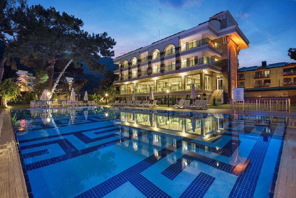 DOSINIA LUXURY RESORT HOTEL