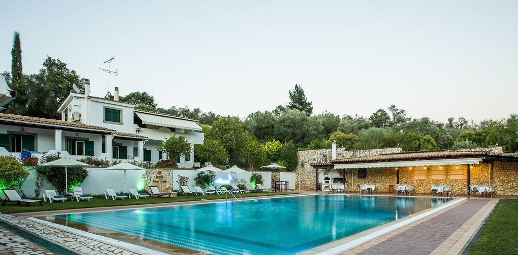 Paradise Inn (Liapades)